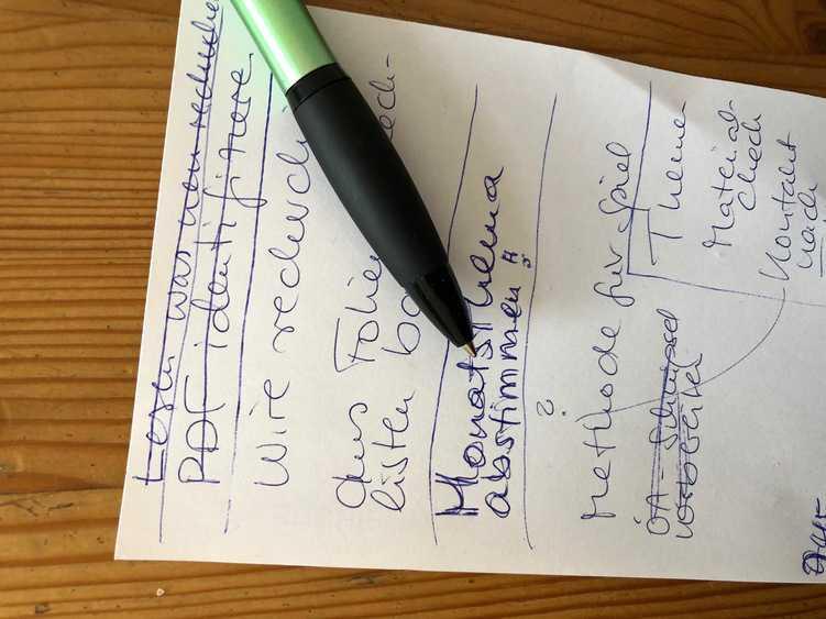 handschriftlicher Notizzettel